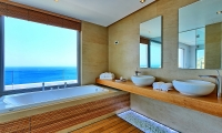 15.Master Bathroom (2)